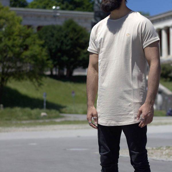 T-Shirt sandbeige mit Seesack